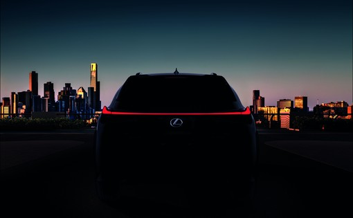 Launch Lexus UX & ES