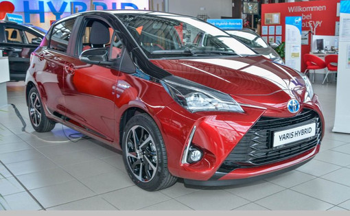 Yaris Style Selection Red
