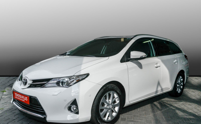 Auris Touring Sports 1.6 Executive