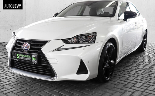 IS 300h Sport Line