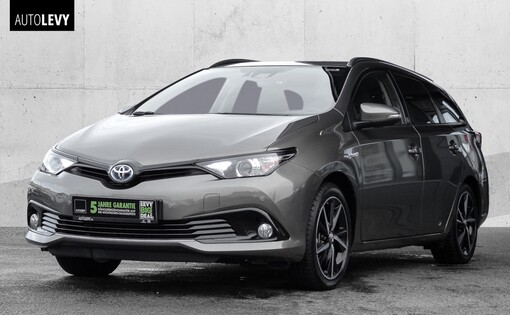 Auris Touring Sports Hybrid Team D