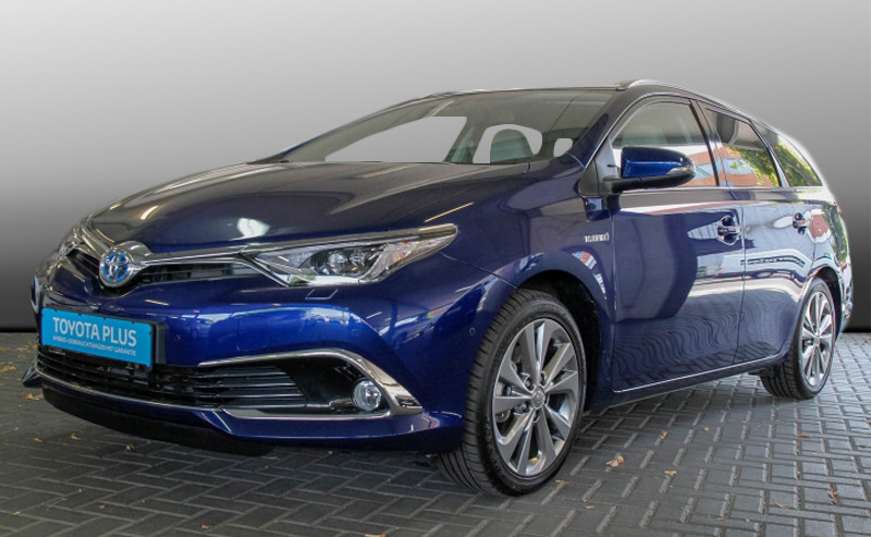 Auris Touring Sports Hybrid Lounge